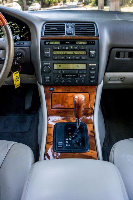 1999 Lexus LS 400 Luxury Sdn Reseda, CA 20