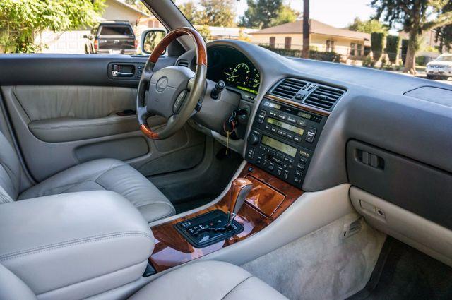 1999 Lexus LS 400 Luxury Sdn Reseda, CA 29