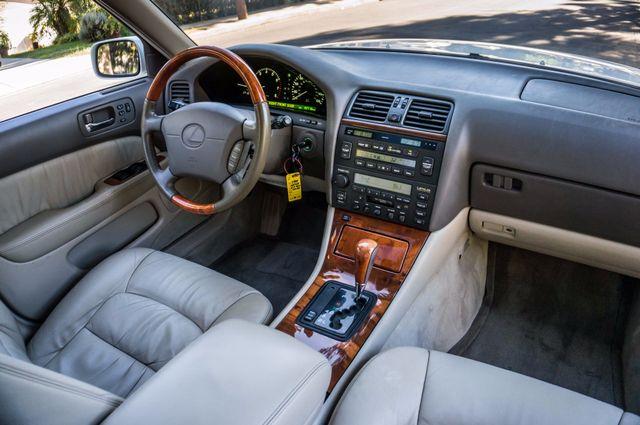 1999 Lexus LS 400 Luxury Sdn Reseda, CA 30