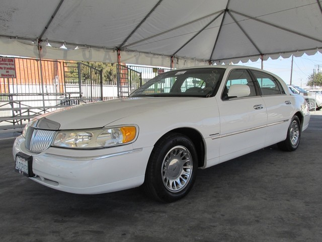 1999 Lincoln Town Car Cartier Please call or e-mail to check availability All of our vehicles ar
