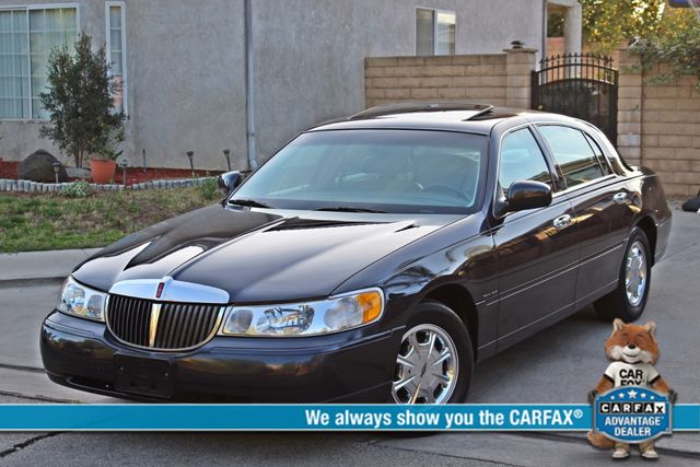 1999 Lincoln TOWN CAR SIGNATURE ONLY 57K ORIGINAL MLSI AUTOMATIC 1-OWNER SERVICE RECORDS AVAILABLE Woodland Hills, CA 0
