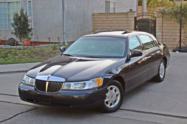 1999 Lincoln TOWN CAR SIGNATURE ONLY 57K ORIGINAL MLSI AUTOMATIC 1-OWNER SERVICE RECORDS AVAILABLE Woodland Hills, CA 13