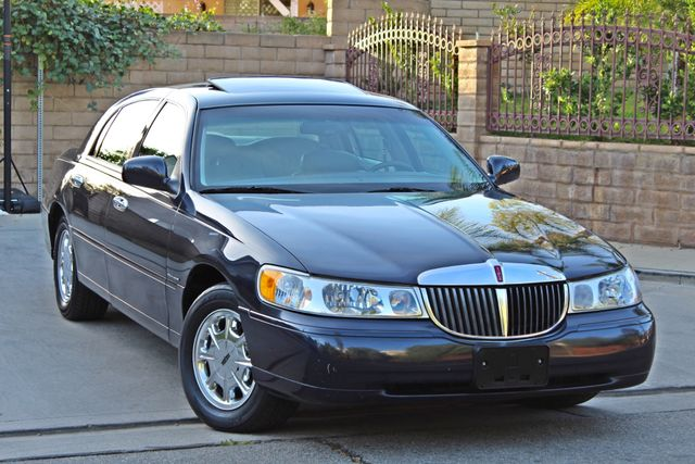 1999 Lincoln TOWN CAR SIGNATURE ONLY 57K ORIGINAL MLSI AUTOMATIC 1-OWNER SERVICE RECORDS AVAILABLE Woodland Hills, CA 11