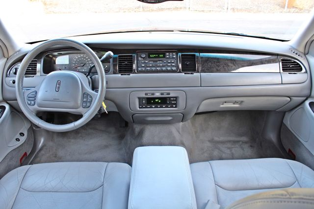 1999 Lincoln TOWN CAR SIGNATURE ONLY 57K ORIGINAL MLSI AUTOMATIC 1-OWNER SERVICE RECORDS AVAILABLE Woodland Hills, CA 22