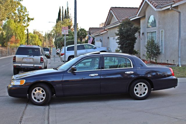 1999 Lincoln TOWN CAR SIGNATURE ONLY 57K ORIGINAL MLSI AUTOMATIC 1-OWNER SERVICE RECORDS AVAILABLE Woodland Hills, CA 3