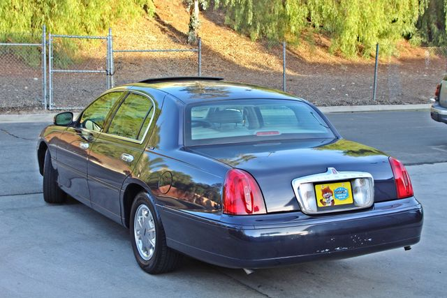 1999 Lincoln TOWN CAR SIGNATURE ONLY 57K ORIGINAL MLSI AUTOMATIC 1-OWNER SERVICE RECORDS AVAILABLE Woodland Hills, CA 4