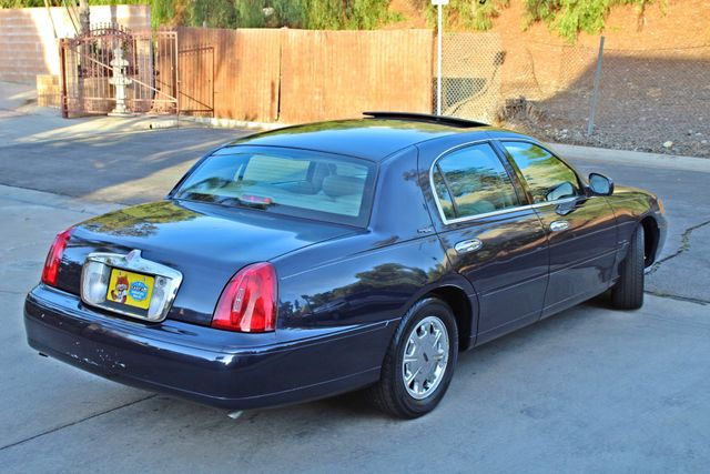 1999 Lincoln TOWN CAR SIGNATURE ONLY 57K ORIGINAL MLSI AUTOMATIC 1-OWNER SERVICE RECORDS AVAILABLE Woodland Hills, CA 5