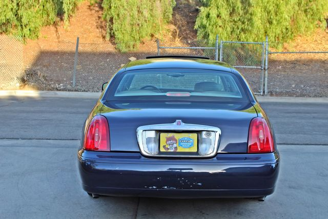 1999 Lincoln TOWN CAR SIGNATURE ONLY 57K ORIGINAL MLSI AUTOMATIC 1-OWNER SERVICE RECORDS AVAILABLE Woodland Hills, CA 6