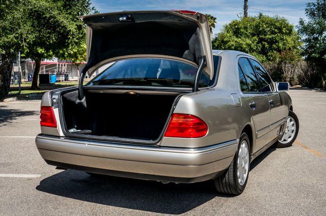 1999 Mercedes-Benz E300 Reseda, CA 11