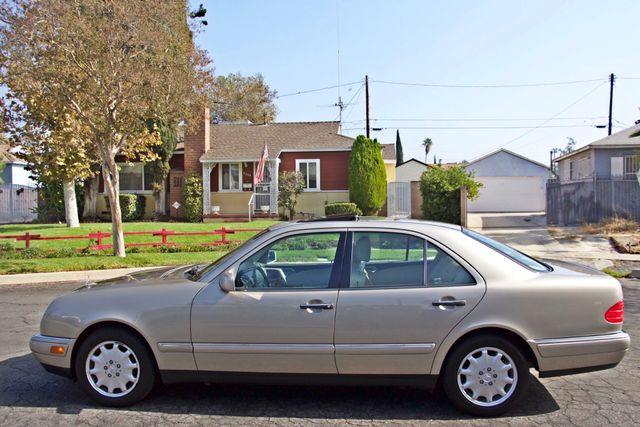 1999 Mercedes-Benz E320 1-OWNER ONLY 62K ORIGINAL MLS SERVICE RECORDS IN MINT CONDITION Woodland Hills, CA 1