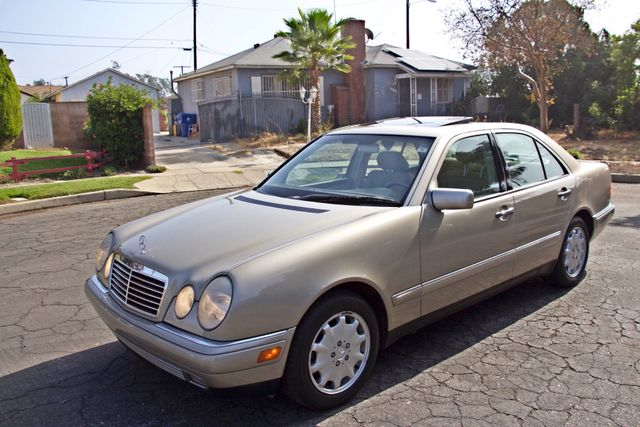1999 Mercedes-Benz E320 1-OWNER ONLY 62K ORIGINAL MLS SERVICE RECORDS IN MINT CONDITION Woodland Hills, CA 7