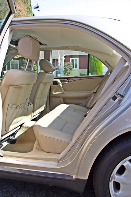 1999 Mercedes-Benz E320 1-OWNER ONLY 62K ORIGINAL MLS SERVICE RECORDS IN MINT CONDITION Woodland Hills, CA 22