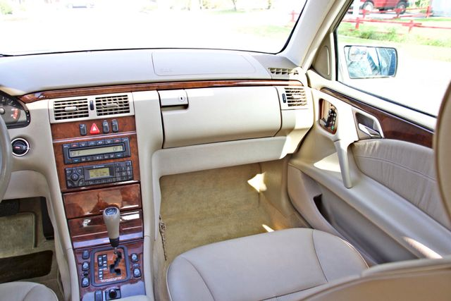 1999 Mercedes-Benz E320 1-OWNER ONLY 62K ORIGINAL MLS SERVICE RECORDS IN MINT CONDITION Woodland Hills, CA 15