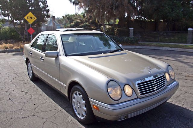 1999 Mercedes-Benz E320 1-OWNER ONLY 62K ORIGINAL MLS SERVICE RECORDS IN MINT CONDITION Woodland Hills, CA 6