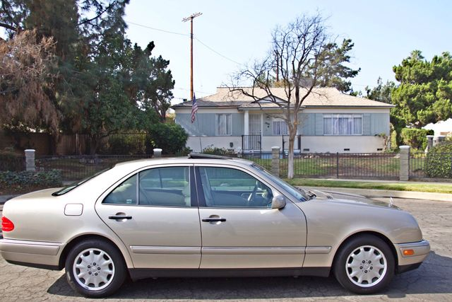 1999 Mercedes-Benz E320 1-OWNER ONLY 62K ORIGINAL MLS SERVICE RECORDS IN MINT CONDITION Woodland Hills, CA 3