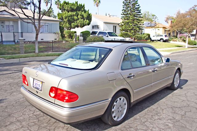 1999 Mercedes-Benz E320 1-OWNER ONLY 62K ORIGINAL MLS SERVICE RECORDS IN MINT CONDITION Woodland Hills, CA 4