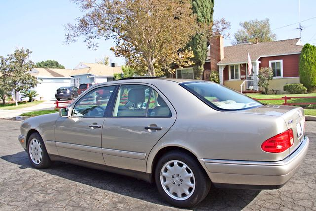 1999 Mercedes-Benz E320 1-OWNER ONLY 62K ORIGINAL MLS SERVICE RECORDS IN MINT CONDITION Woodland Hills, CA 2