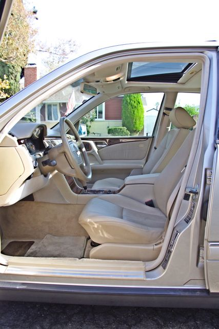 1999 Mercedes-Benz E320 1-OWNER ONLY 62K ORIGINAL MLS SERVICE RECORDS IN MINT CONDITION Woodland Hills, CA 9