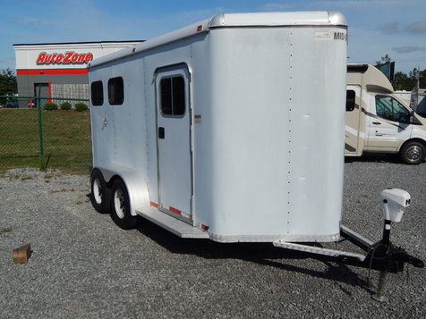 1999 Mid South 2 Horse Slant Load Bumper Pull Horse Trailer  in Moncks Corner, SC