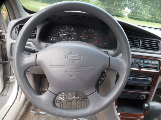 1999 Nissan Altima GXE Mechanic Special Leesburg, Virginia 16