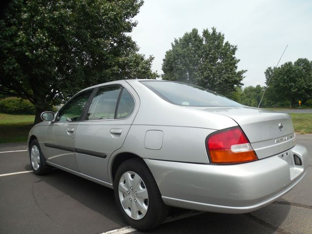1999 Nissan Altima GXE Mechanic Special Leesburg, Virginia 3