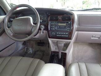 1999 Toyota Avalon XLS Sedan Chico, CA 9
