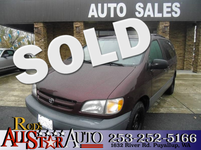 1999 Toyota Sienna LE If you want alot of seats then this is the vehicle for you Dont get a big s