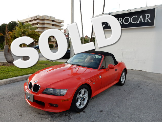 2000 BMW Z3 25L 23 Gently used So few miles means its like new This 2000 Z3 is for BMW fanati