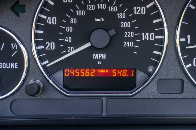 2000 BMW Z3 2.5L PREMIUM PKG - AUTO - 45K MILES - HTD STS - PWR TOP Reseda, CA 24