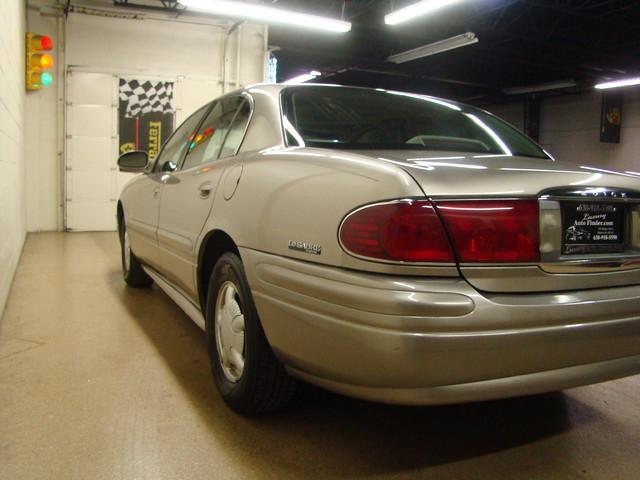 2000 Buick LeSabre Custom Batavia, Illinois 1