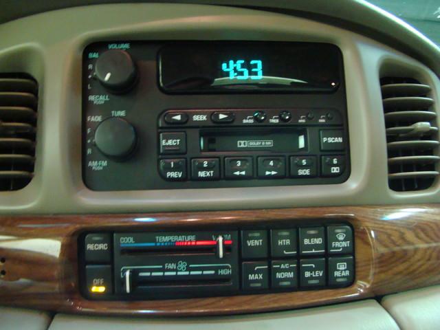 2000 Buick LeSabre Custom Batavia, Illinois 11
