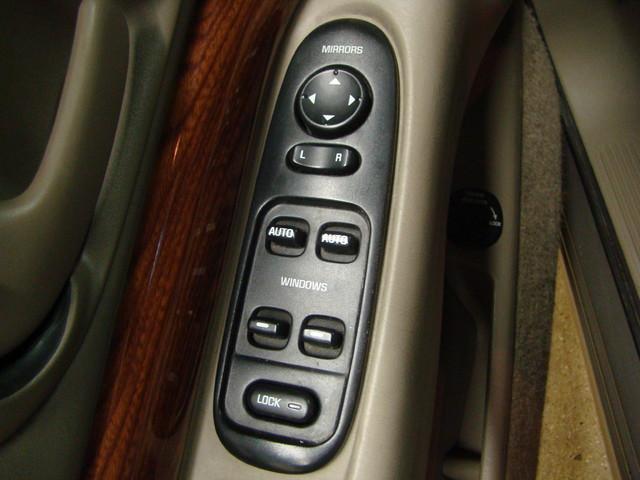 2000 Buick LeSabre Custom Batavia, Illinois 13