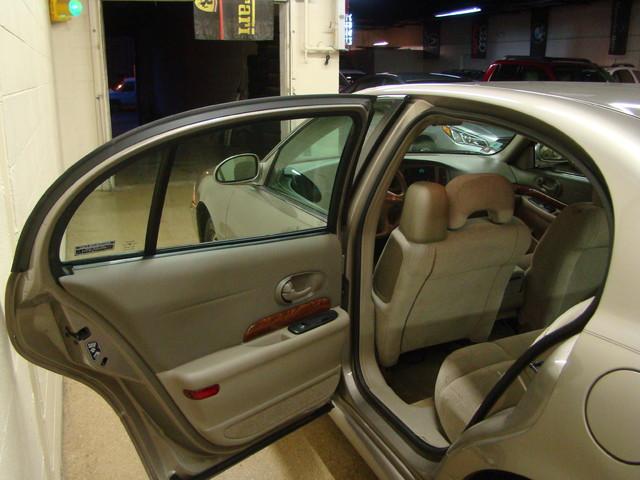 2000 Buick LeSabre Custom Batavia, Illinois 15