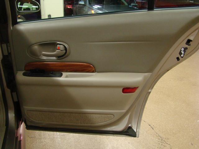 2000 Buick LeSabre Custom Batavia, Illinois 19
