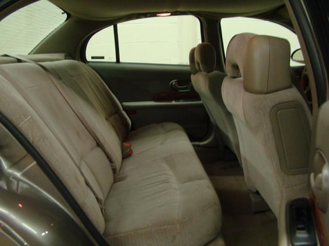 2000 Buick LeSabre Custom Batavia, Illinois 20
