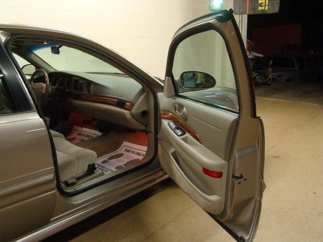 2000 Buick LeSabre Custom Batavia, Illinois 21