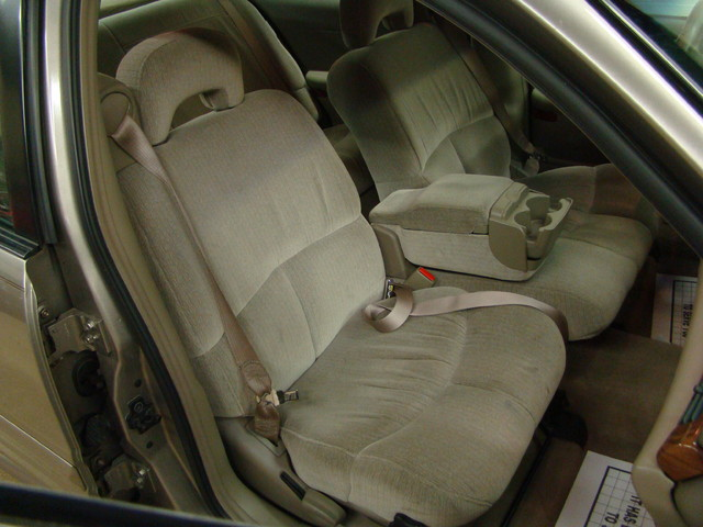 2000 Buick LeSabre Custom Batavia, Illinois 23