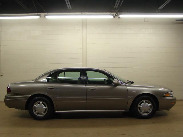2000 Buick LeSabre Custom Batavia, Illinois 3