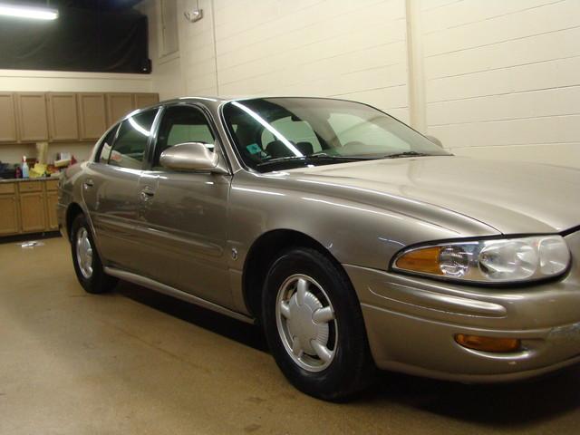 2000 Buick LeSabre Custom Batavia, Illinois 4