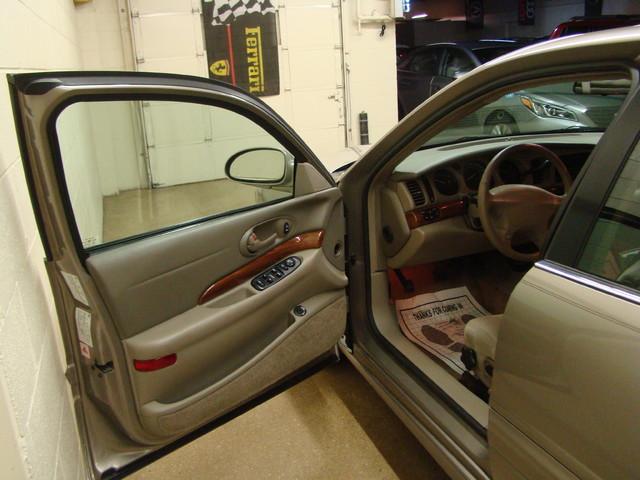 2000 Buick LeSabre Custom Batavia, Illinois 6