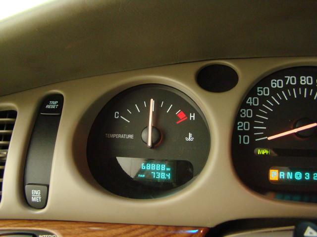 2000 Buick LeSabre Custom Batavia, Illinois 9