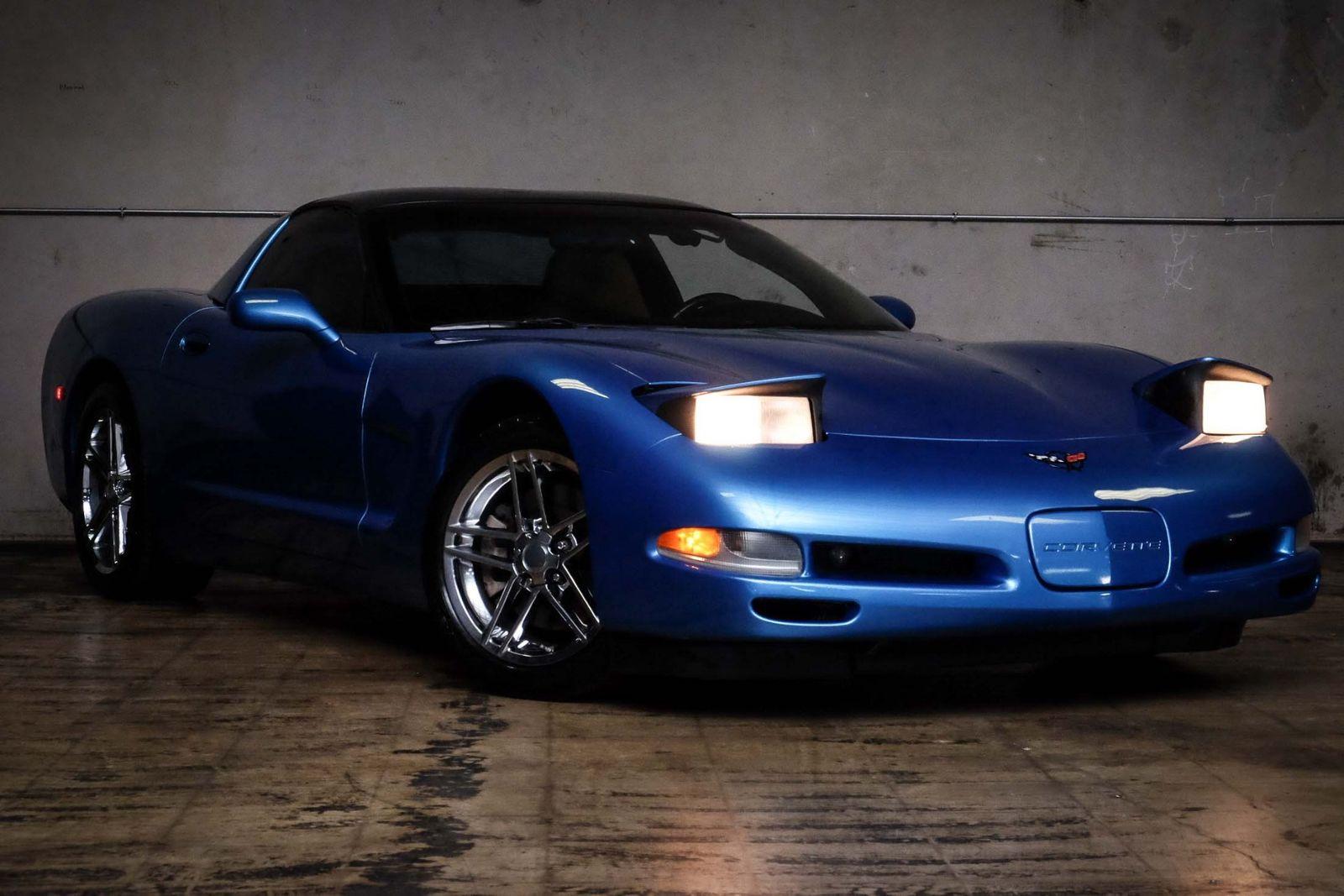 2000 Blue Chevrolet Corvette   | C5 Corvette Photo 2