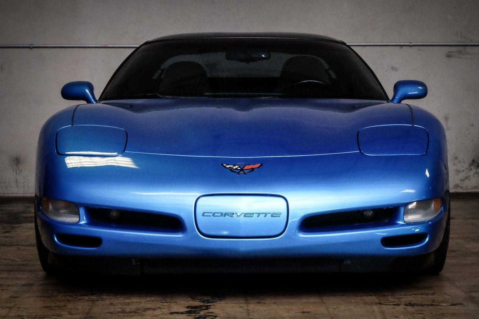 2000 Blue Chevrolet Corvette   | C5 Corvette Photo 3