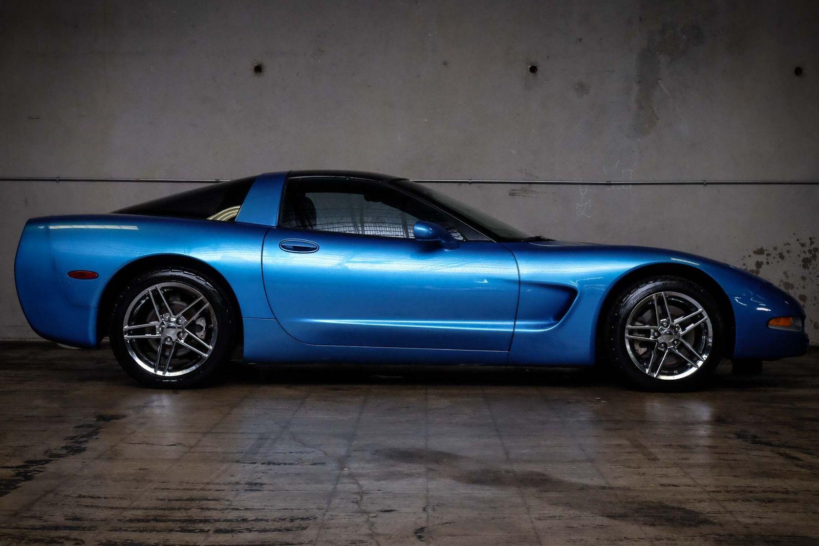 2000 Blue Chevrolet Corvette   | C5 Corvette Photo 5