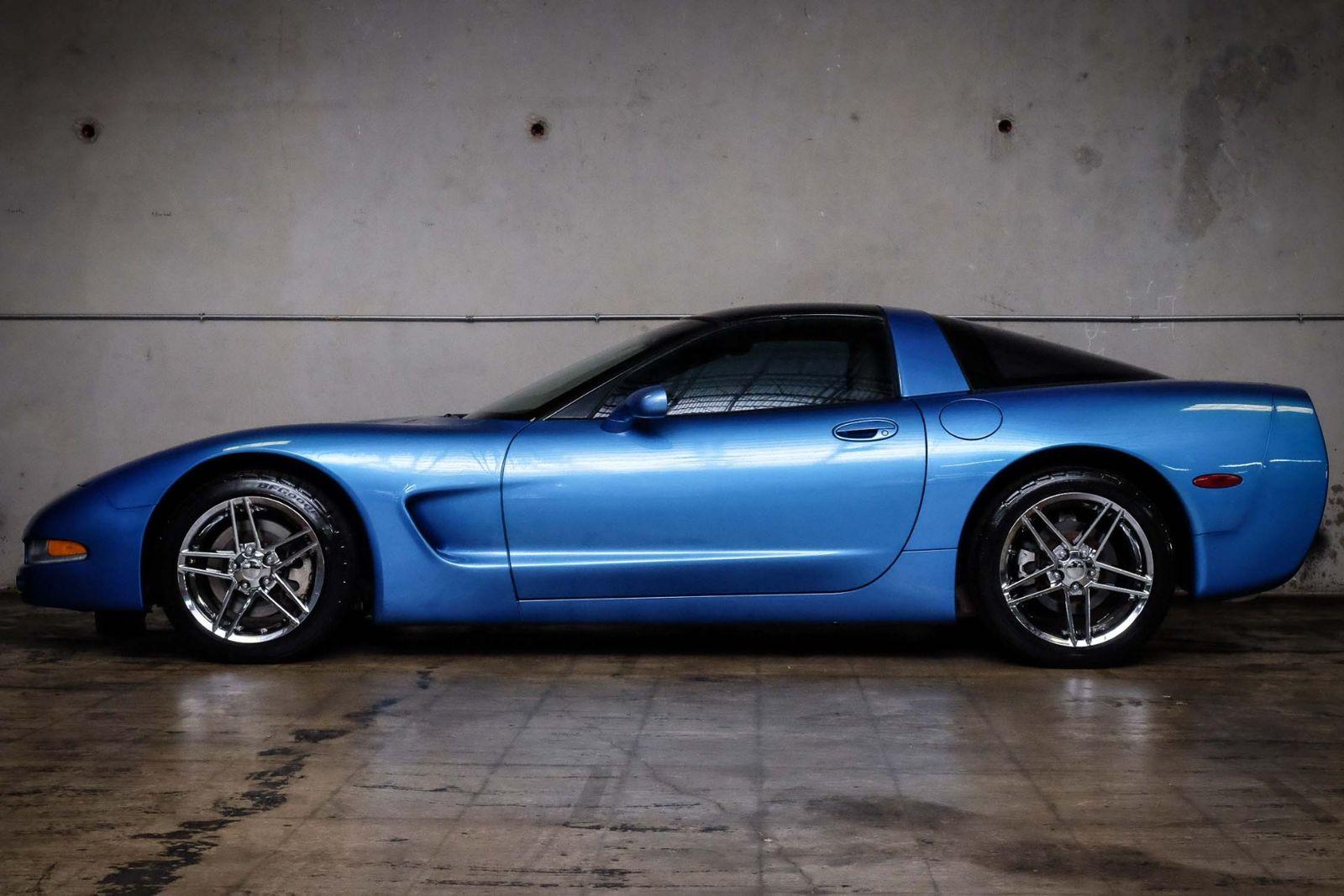 2000 Blue Chevrolet Corvette   | C5 Corvette Photo 9