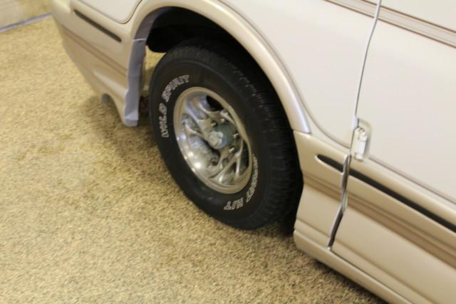 2000 Chevrolet Express Conversion Van w/YF7 Roscoe, Illinois 26