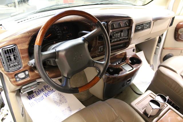 2000 Chevrolet Express Conversion Van w/YF7 Roscoe, Illinois 14