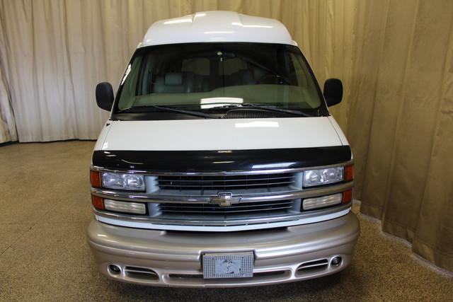 2000 Chevrolet Express Conversion Van w/YF7 Roscoe, Illinois 3