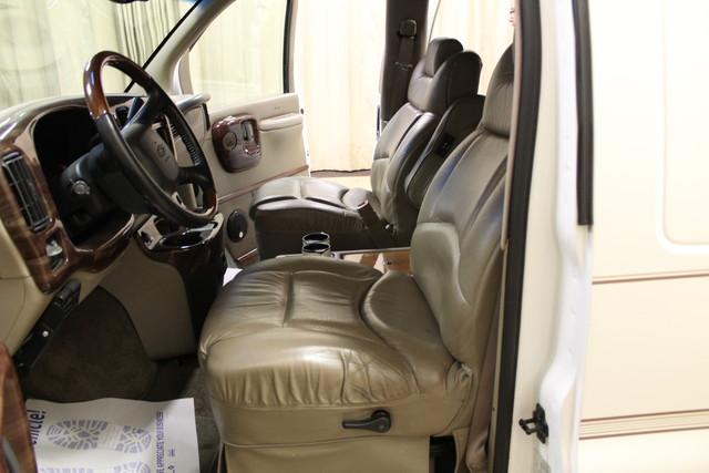 2000 Chevrolet Express Conversion Van w/YF7 Roscoe, Illinois 17