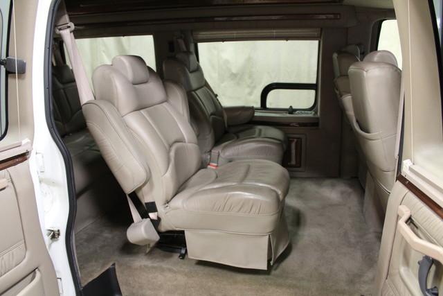 2000 Chevrolet Express Conversion Van w/YF7 Roscoe, Illinois 18